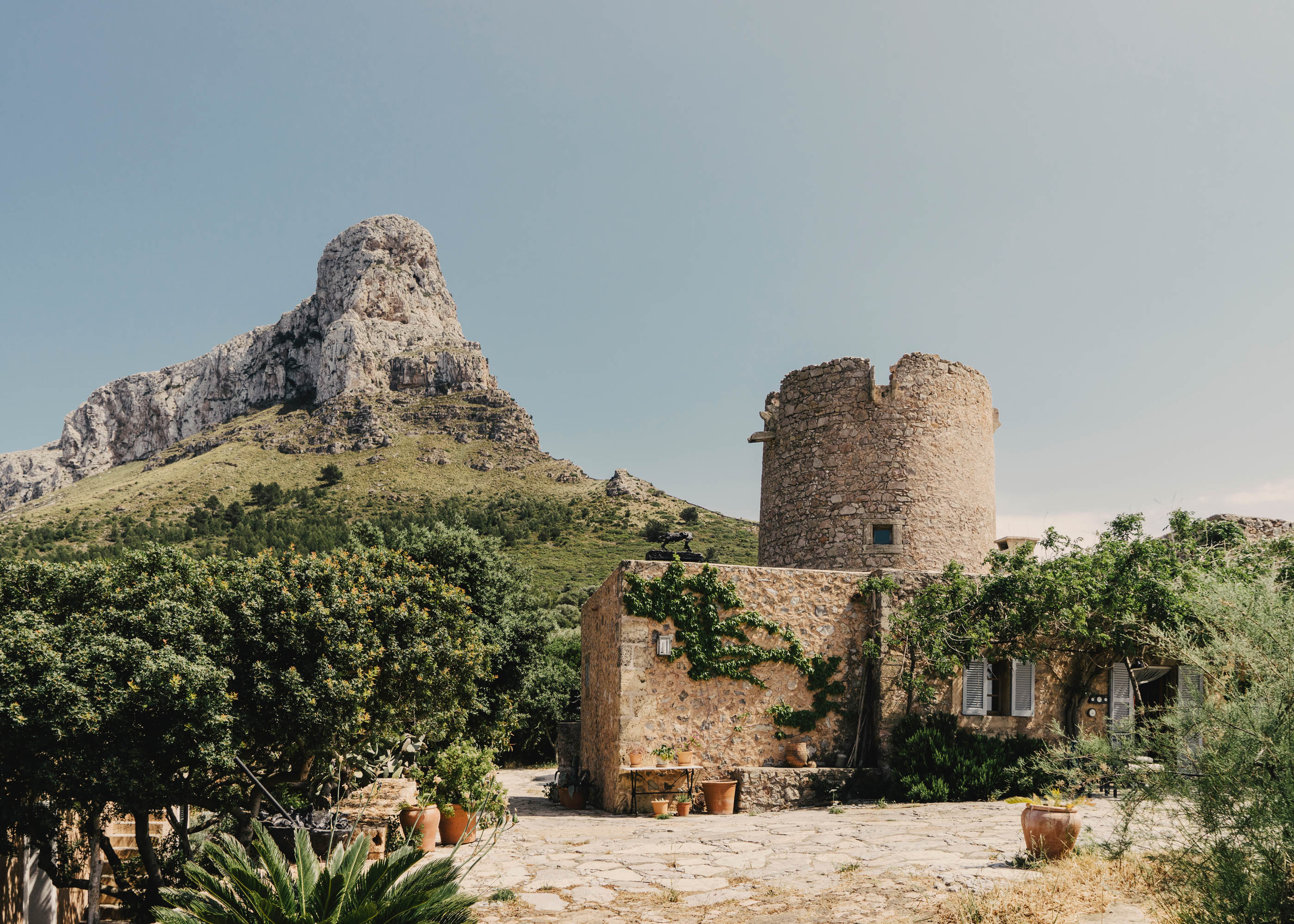 #miquelbarcelo #artist #house #mallorca #editorial #wsj #wallstreetjournal #architecture