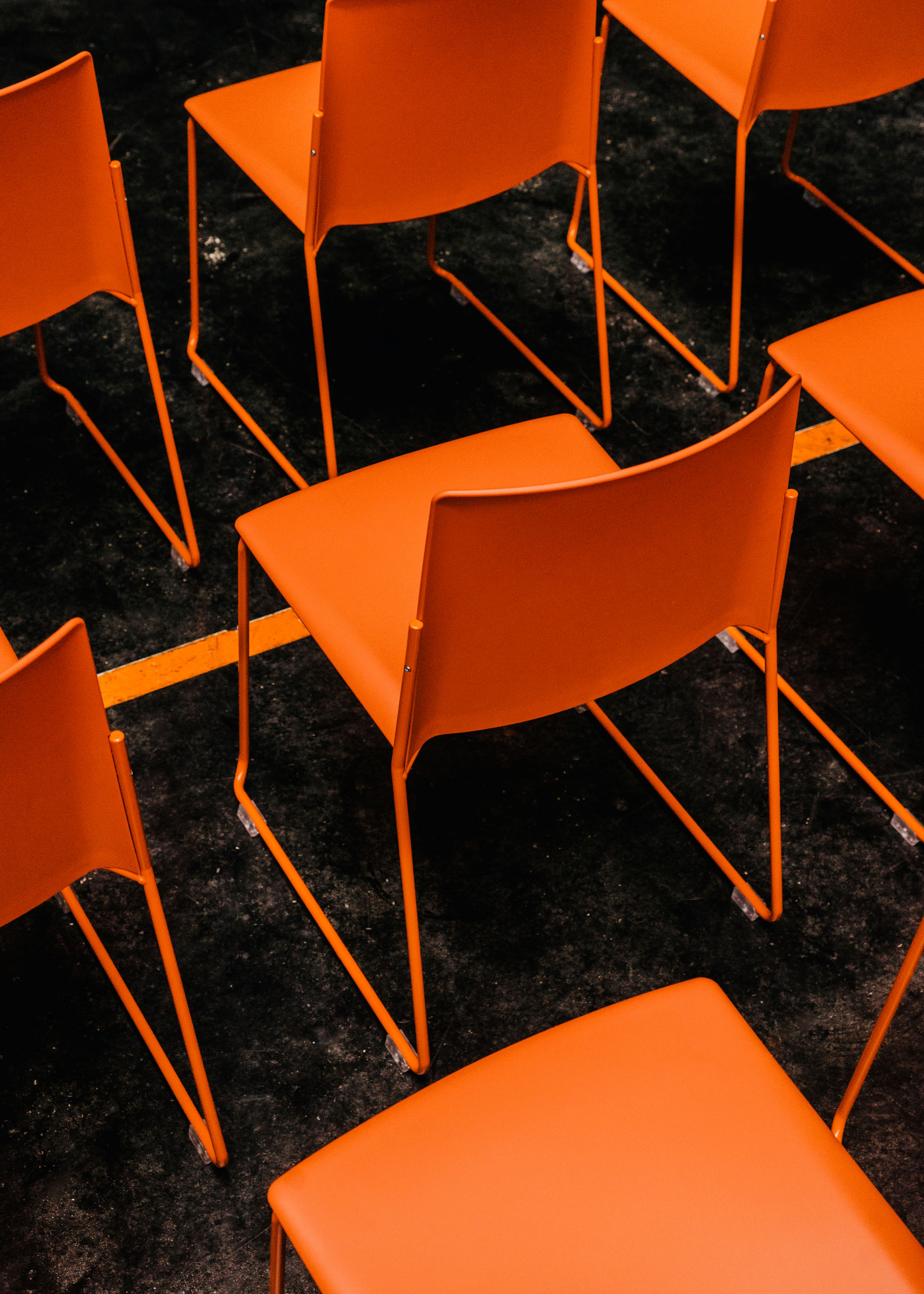 #furniture #enea #design #clase #chairs #orange #basque #fronton