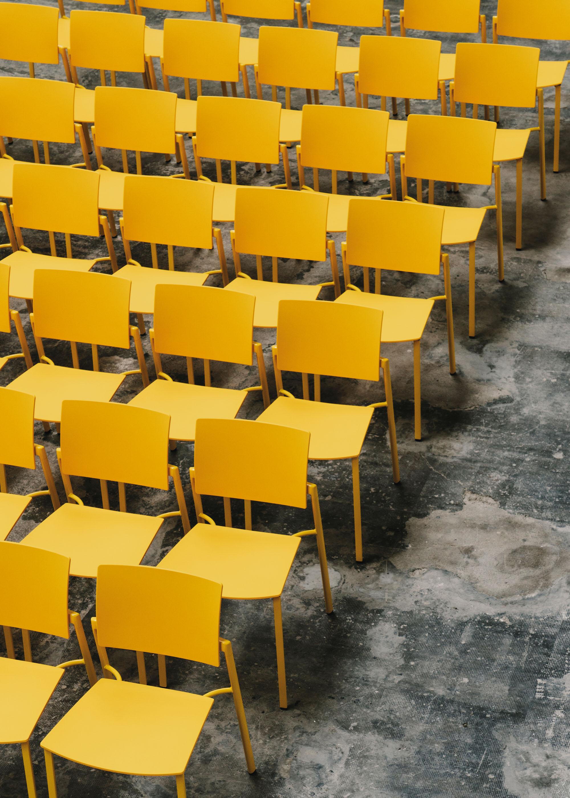 #furniture #enea #design #clase #chairs #yellow #basque #fronton