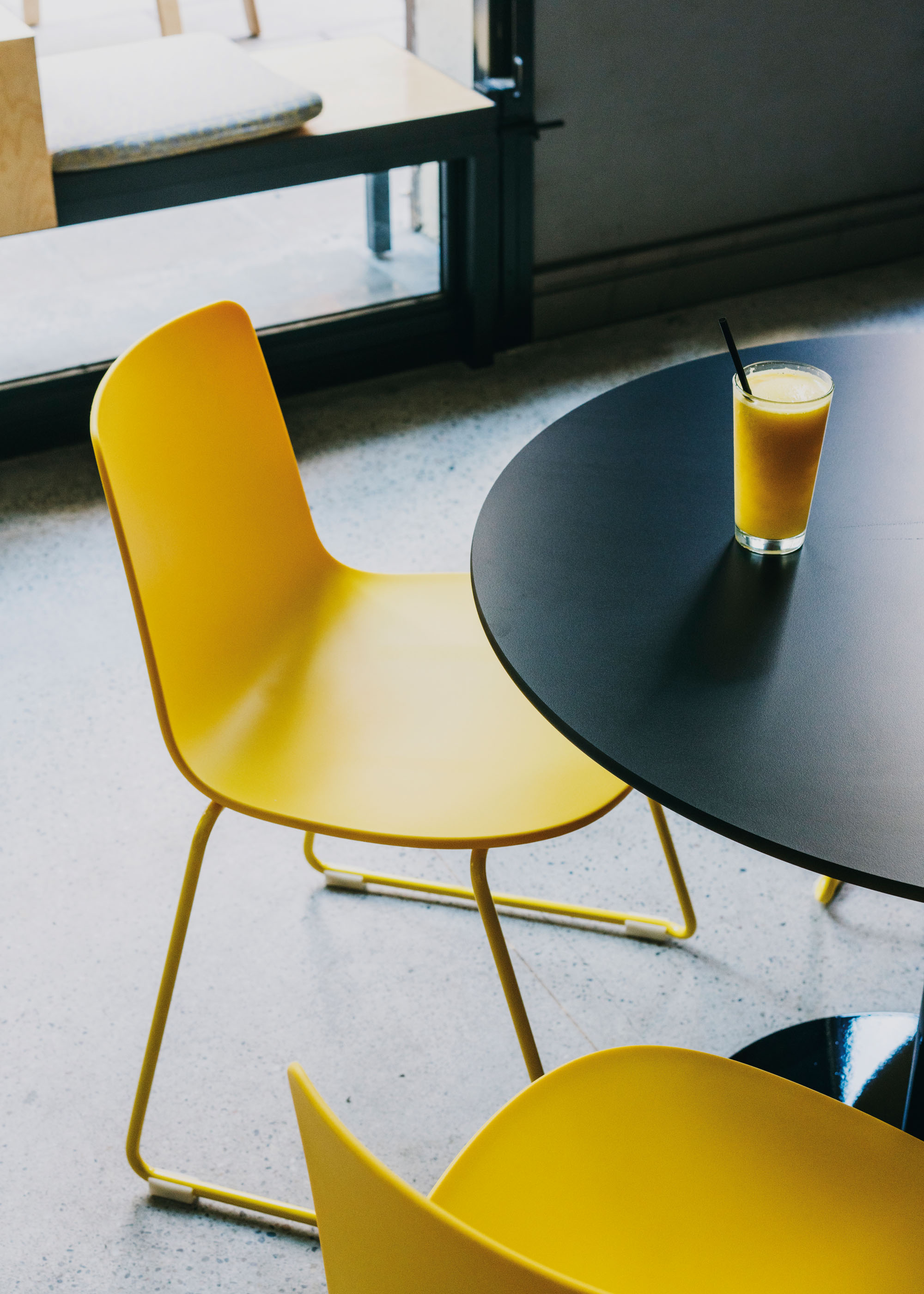 #furniture #enea #design #clase #chairs #barcelona #federal #cafe #yellow
