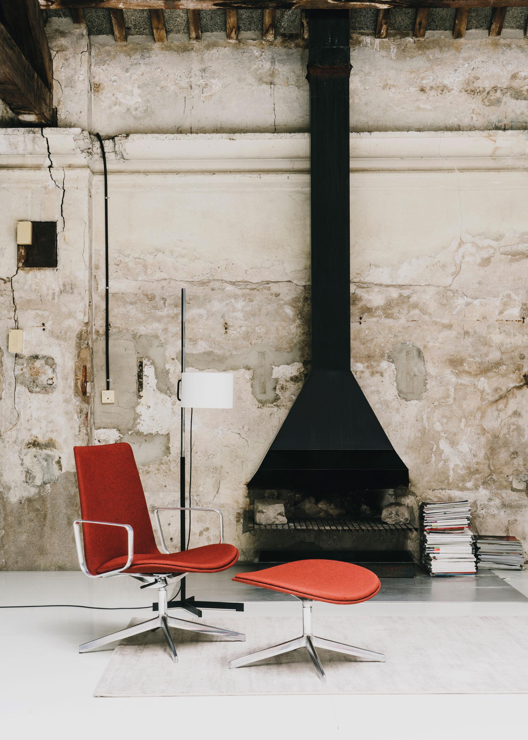 #furniture #enea #design #clase #barcelona #interiors #santacole #tmc #miguelmila #red