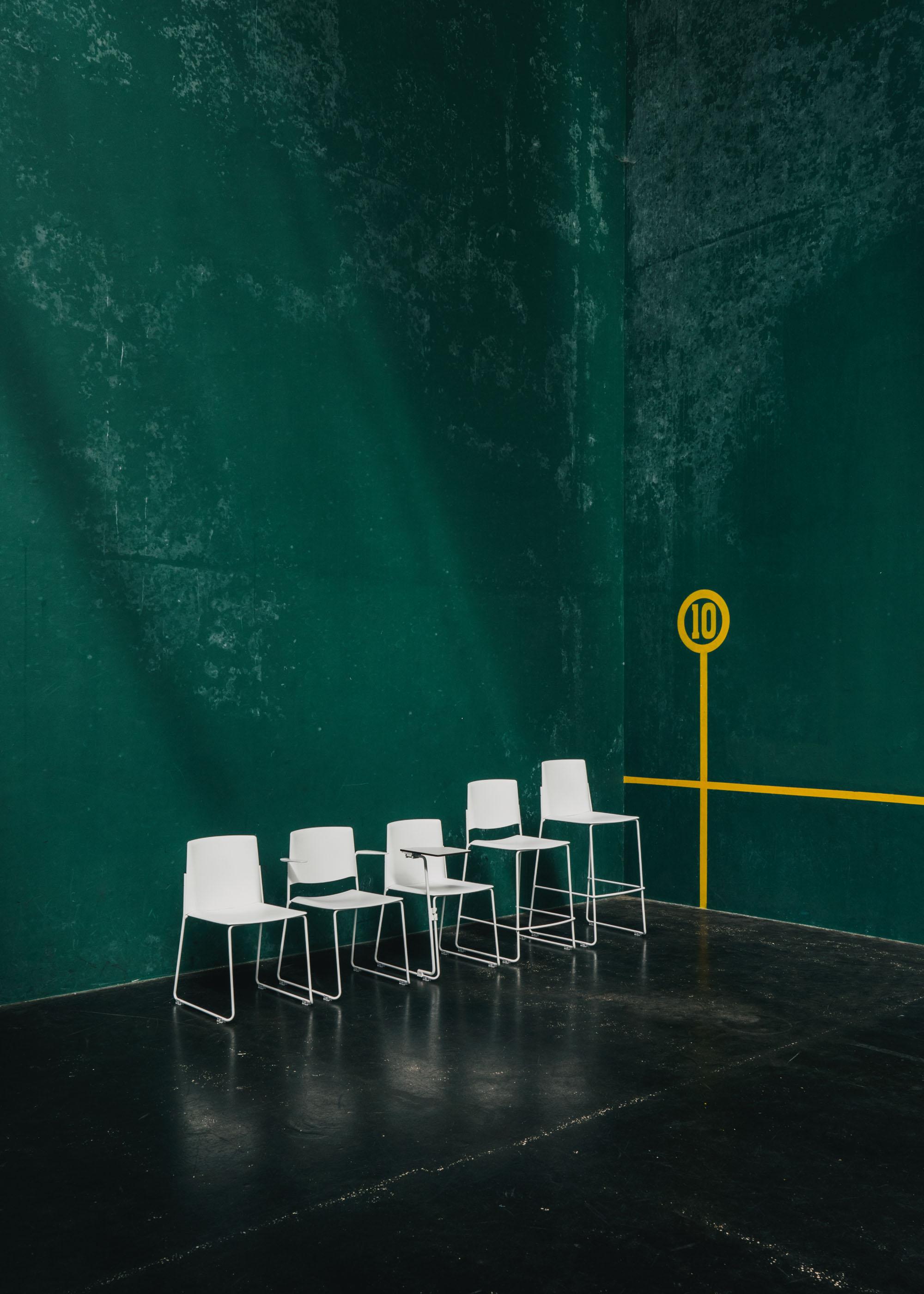 #furniture #enea #design #clase #basque #chairs #fronton #green