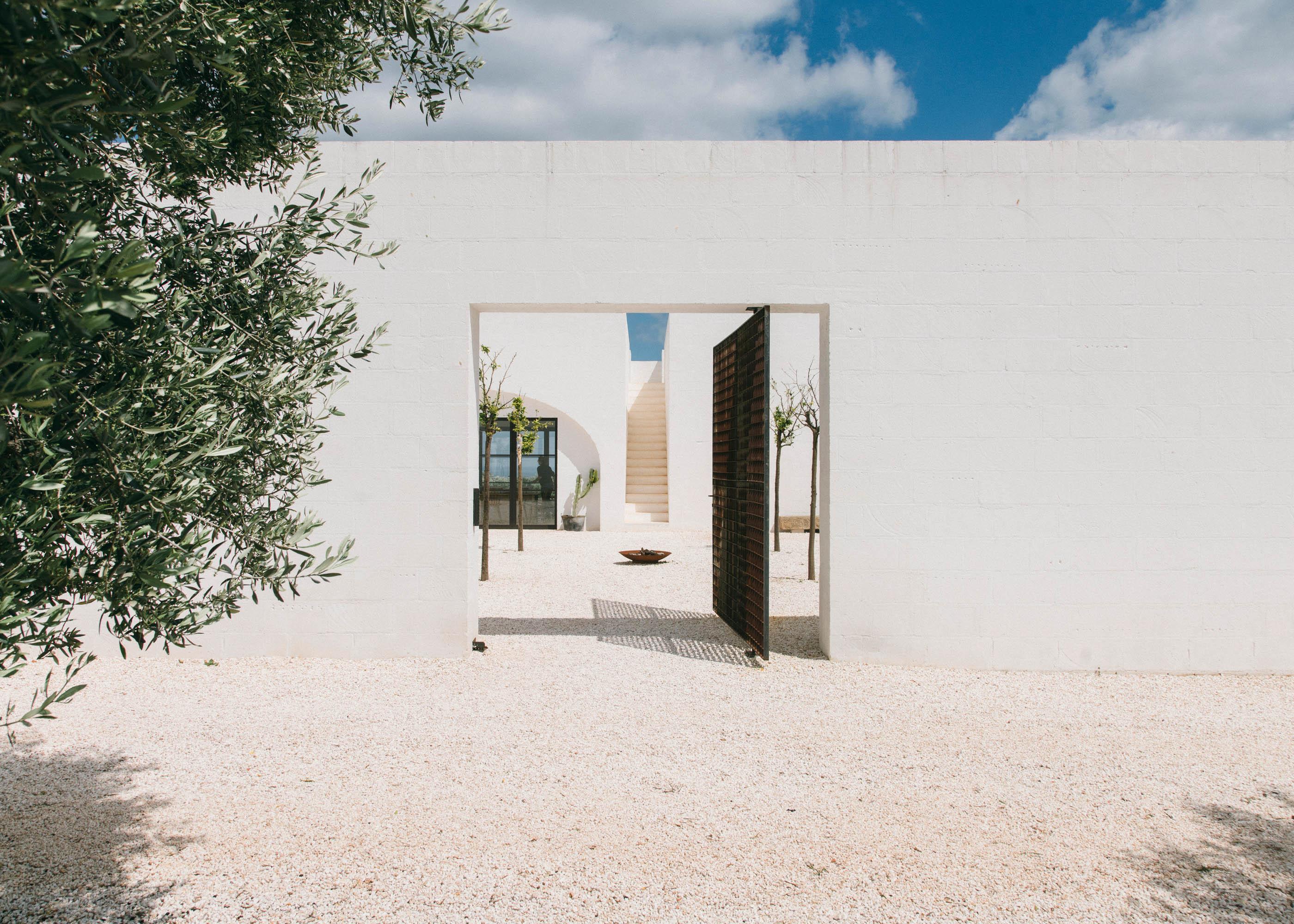 #editorial #italy #puglia #masseria #morosseta #openhouse #architecture