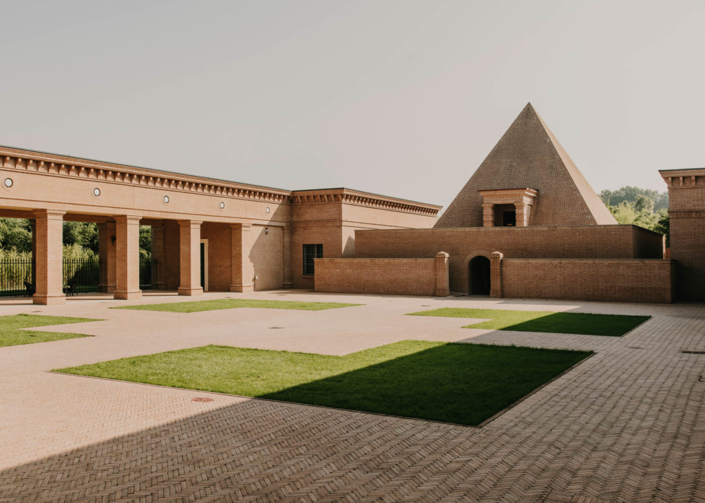 #franco #italy #maria #ricci #christies #editorial #bam #architecture