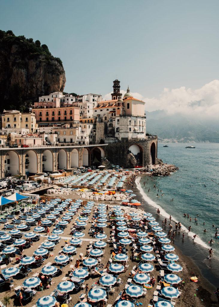 #mediterranean #italy #amalfi #piazzeta #beach #town