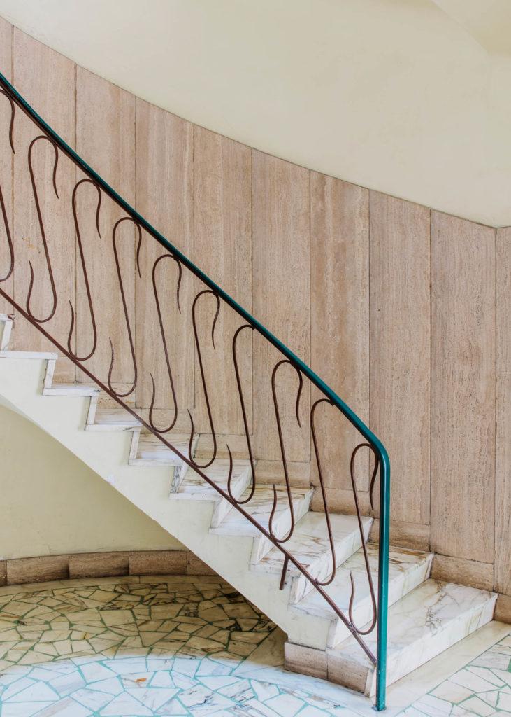#interiors #italy #napoli #lobby #stairs #1617