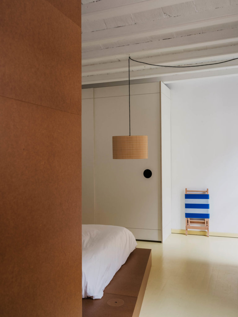 #barcelona #aoo #marcmorro #yosigo #interiors #bedroom #santa #cole #nagoya #lighting