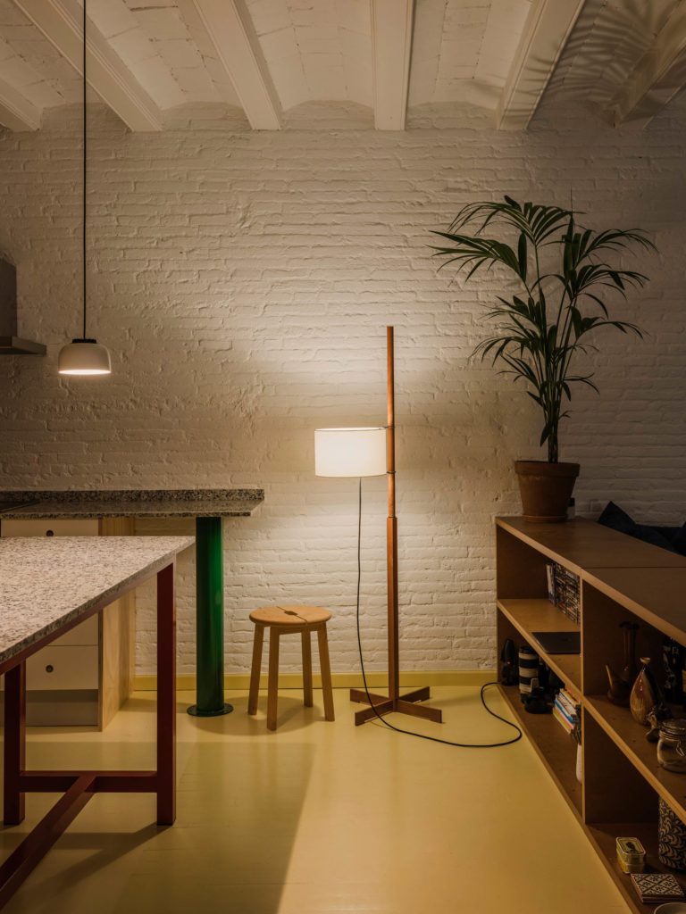 #barcelona #aoo #marcmorro #yosigo #interiors #kitchen #santacole #mila #tmm #lighting