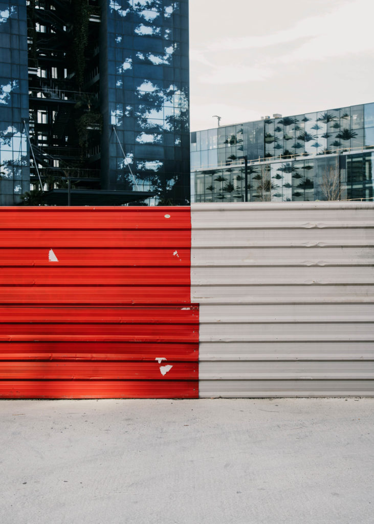 #1617 #red #barcelona #architecture #graphic