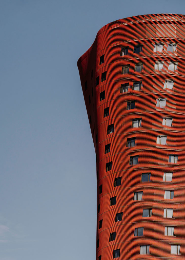 #barcelona #plazaeuropa #architecture #red #toyoito #tmb