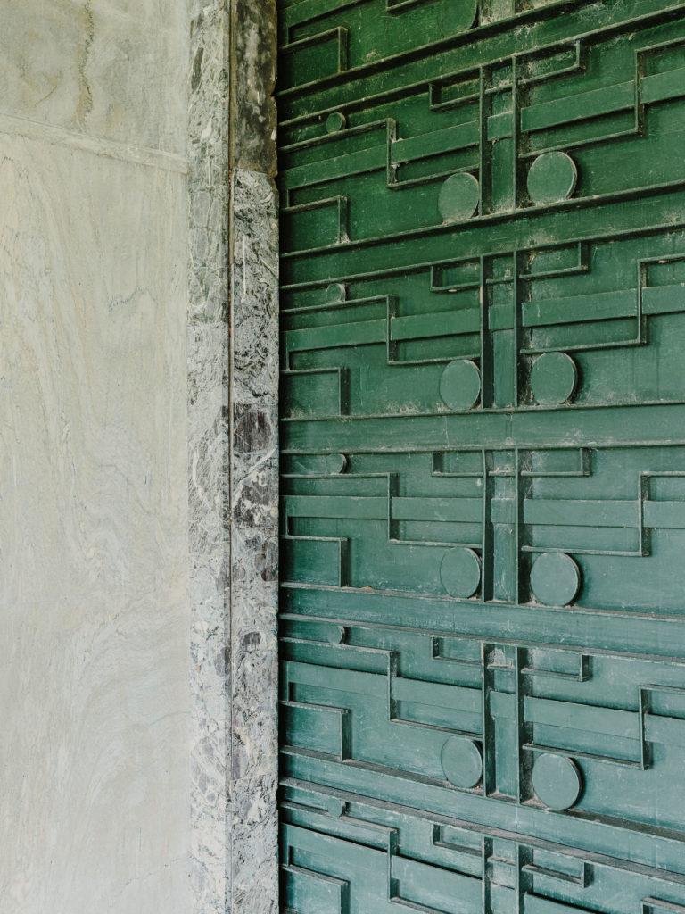#kinfolk #india #morvi #palace #artdeco #details #door
