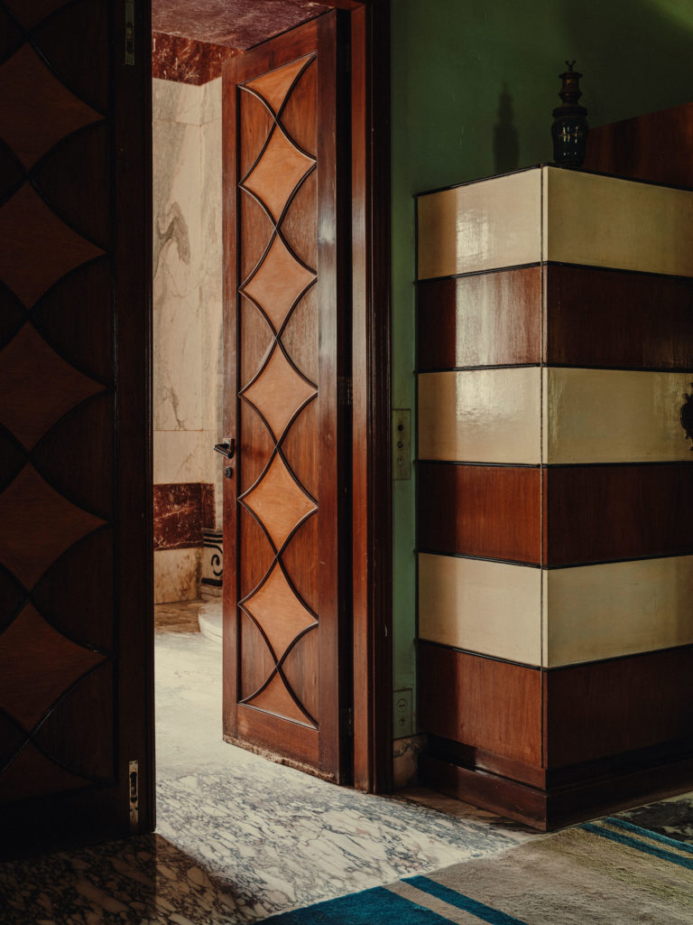 #kinfolk #india #morvi #palace #artdeco #bedroom