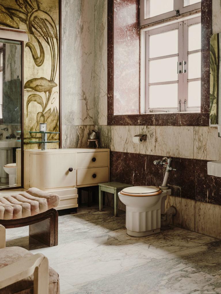 #kinfolk #india #morvi #palace #artdeco #bath