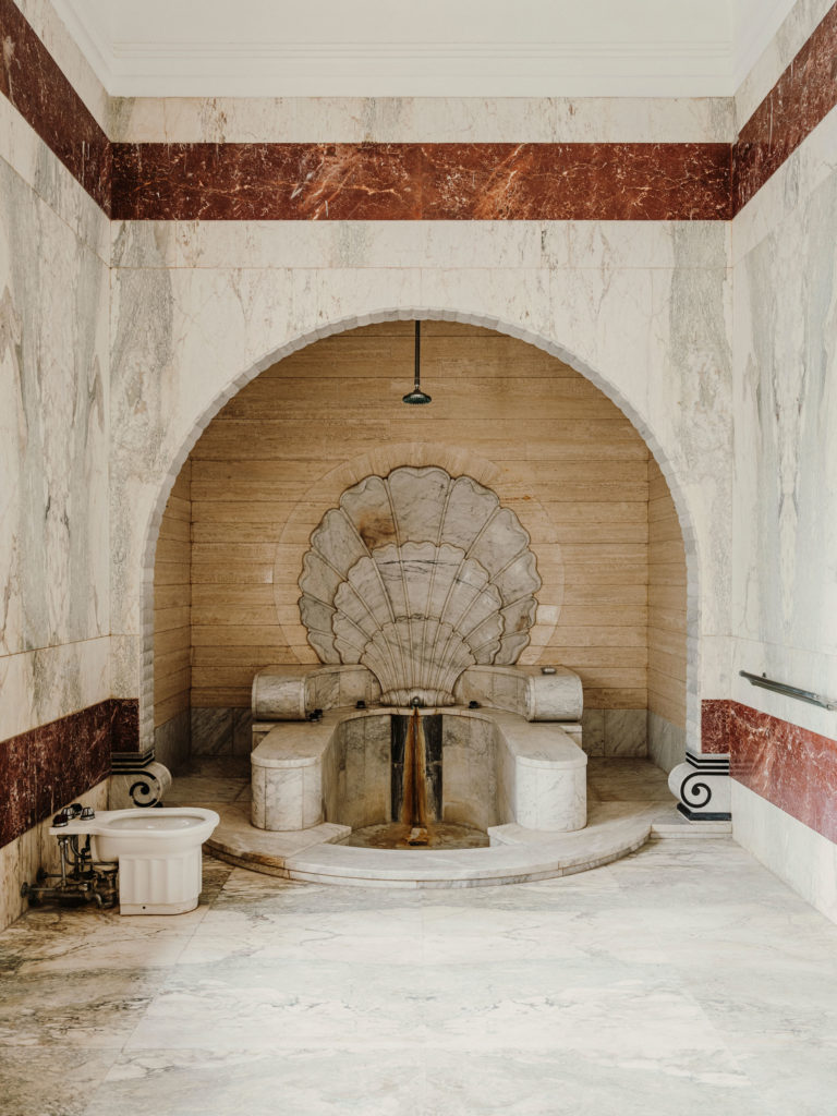 #kinfolk #india #morvi #palace #artdeco #bath #interiors