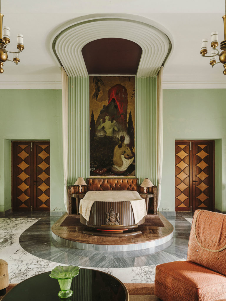 #kinfolk #india #morvi #palace #artdeco #interiors #bedroom