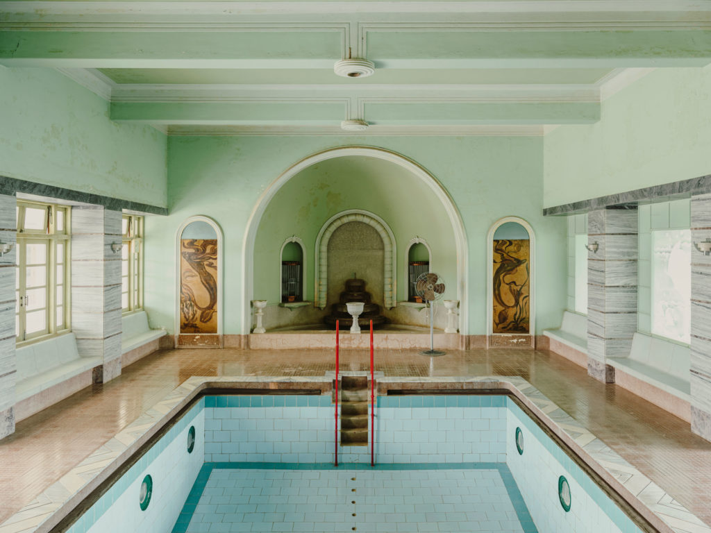 #kinfolk #india #morvi #palace #artdeco #interiors #pool