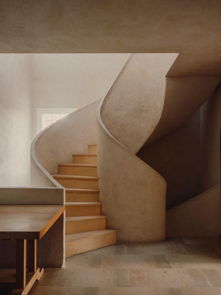 #caruncho #gardener #workspace #studio #editorial #madrid #openhousemagazine #interiors #stairs