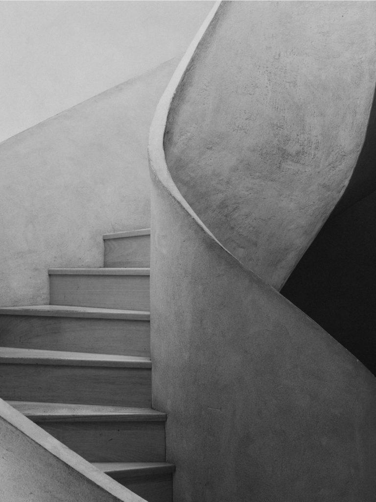 #caruncho #gardener #workspace #studio #editorial #madrid #openhousemagazine #details #stairs #blackandwhite