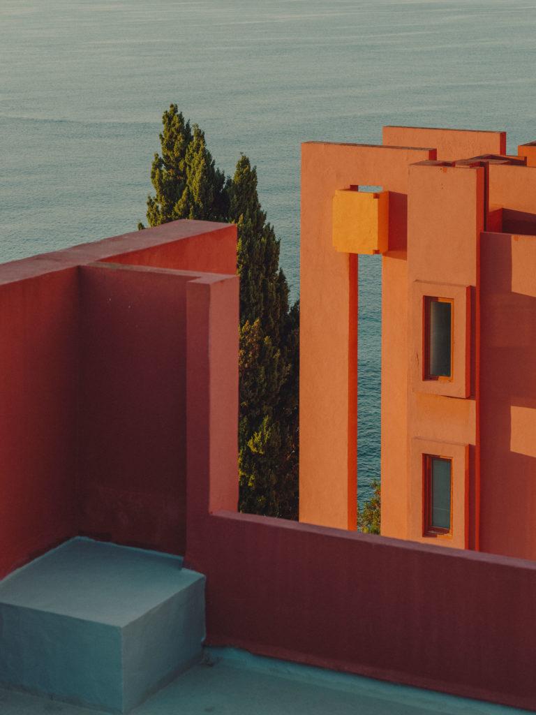 #xanadu #murallaroja #gestalten #visionsofarchitecture #bofill #calpe #valencia #spain #architecture #pale #pink #orange