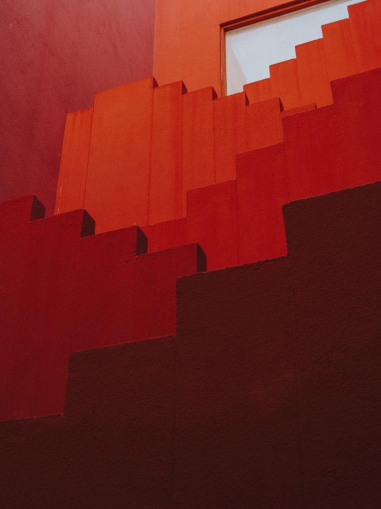 #xanadu #murallaroja #gestalten #visionsofarchitecture #bofill #calpe #valencia #spain #stairs #red