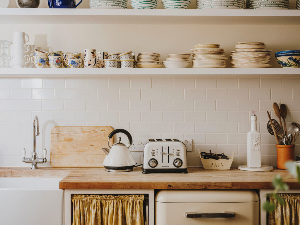 #airbnb #airbnbplus #uk #england #bath #rebecca #kitchen