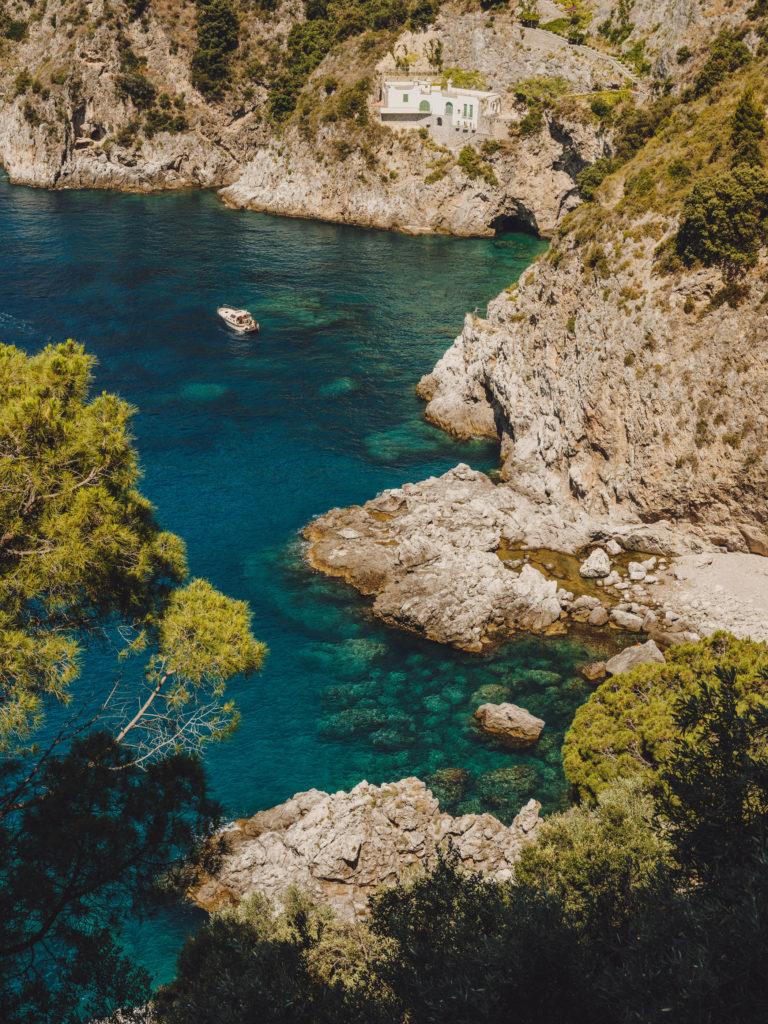 #airbnbmagazine #kayak #mediterranean #costaamalfitana #travel