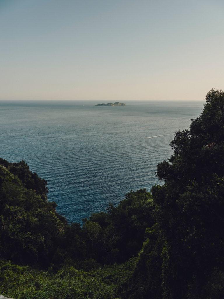 #airbnbmagazine #kayak #mediterranean #costaamalfitana #landscape #travel