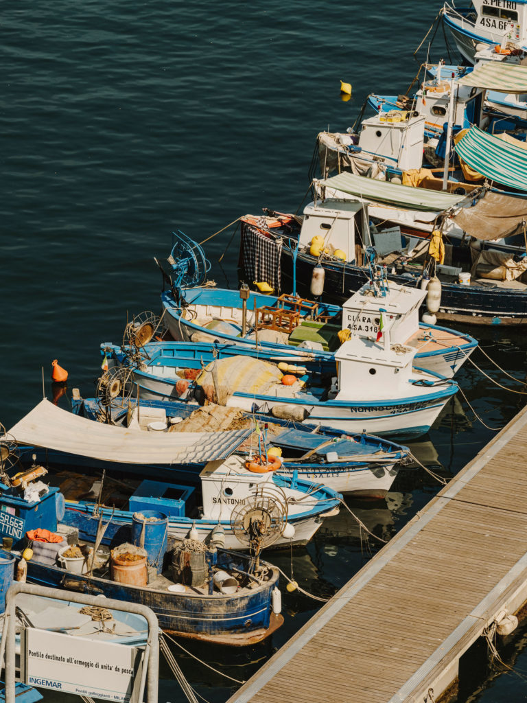 #airbnbmagazine #kayak #mediterranean #costaamalfitana #cetara #boats