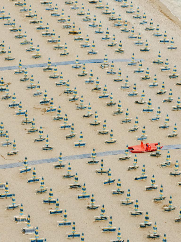 #airbnbmagazine #kayak #mediterranean #costaamalfitana #beach #umbrellas #vietrisulmare #tourism #travel #2018 #personal