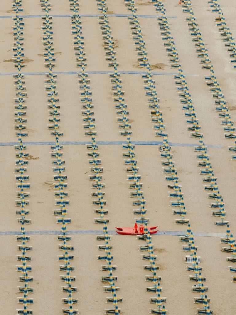 #airbnbmagazine #kayak #mediterranean #costaamalfitana #beach #umbrellas #vietrisulmare #tourism #travel