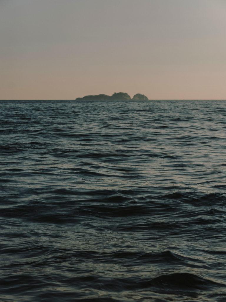 #airbnbmagazine #kayak #mediterranean #costaamalfitana #positano #gallolungo