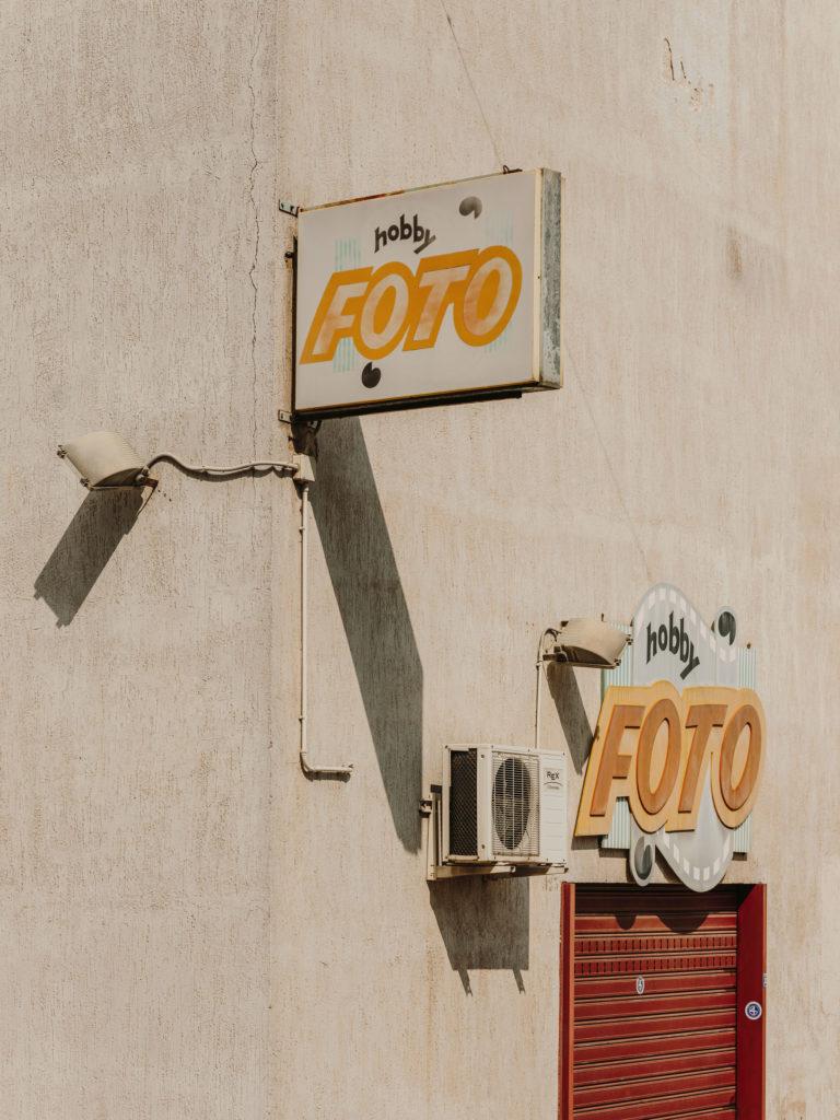 #2019 #puglia #italy #carovigno #windows #personal #street #foto