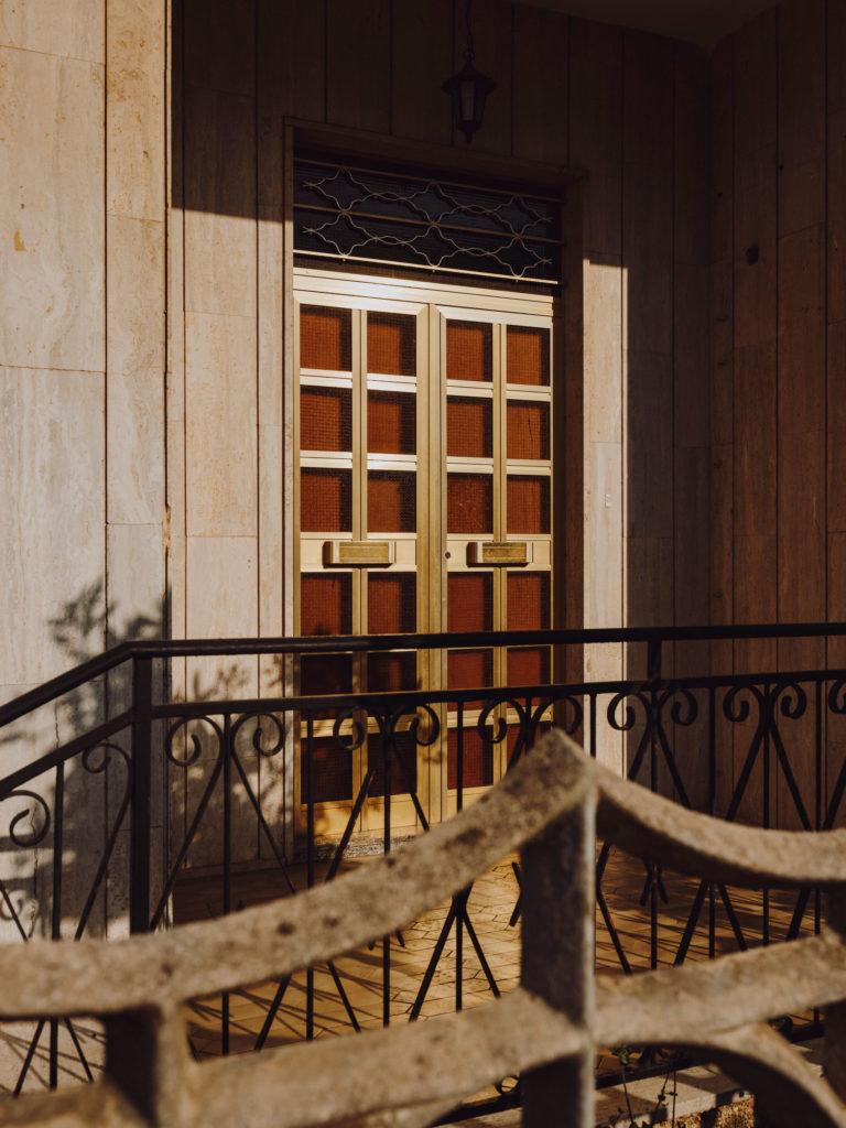#2019 #puglia #italy #carovigno #door #personal #street #facade