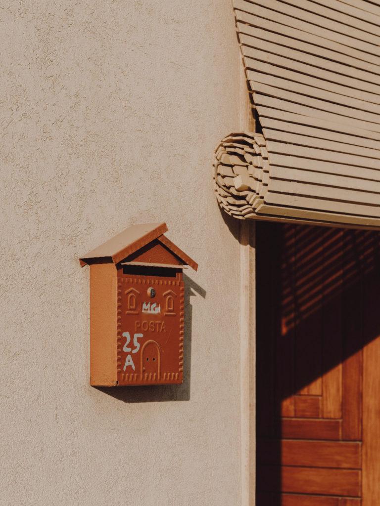 #2019 #puglia #italy #carovigno #personal #street #post #door