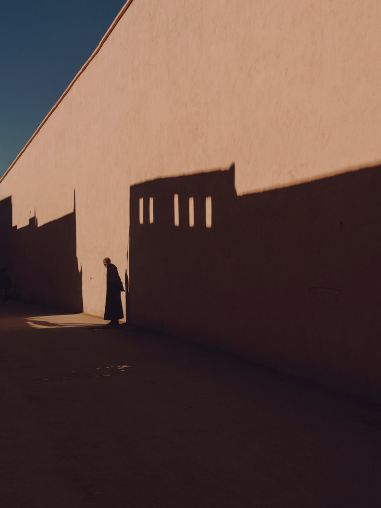 #2018 #marrakech #morocco #wall #people #shadows