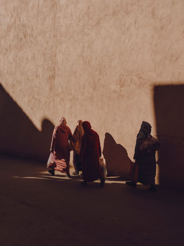#2018 #marrakech #morocco #wall #people #shadows