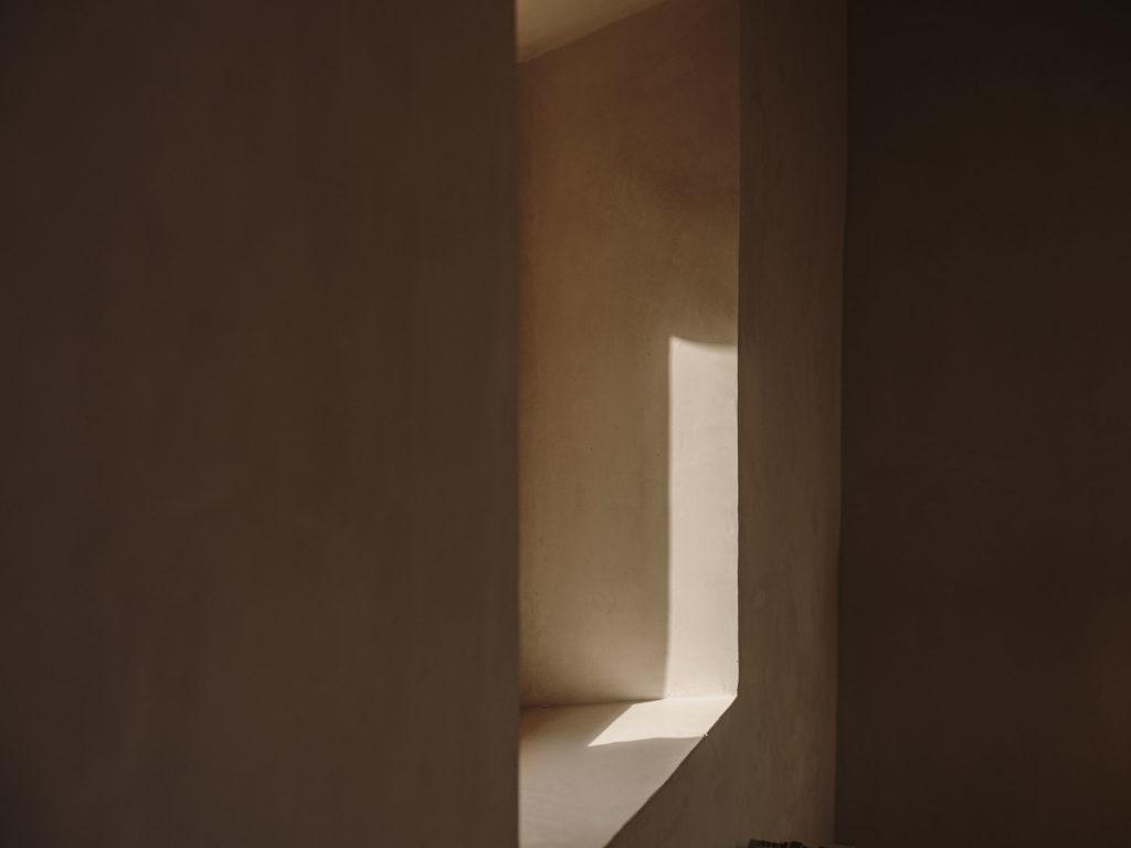 #pottershouse #lucianogiubbilei #mallorca #sonservera #openhousemagazine #details #light